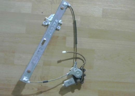 Стеклоподъемник электрический передний правый | Фото 1